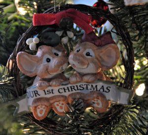 ORNAMENT 1 CHRISTMAS DEOVTIONAL